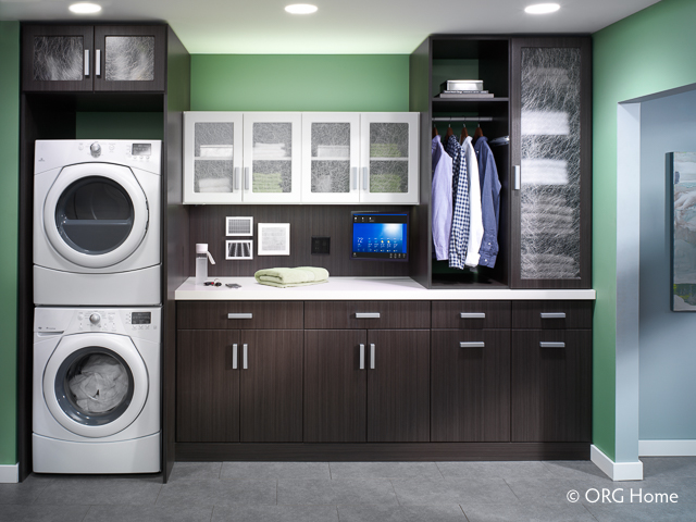 space-savvy-laundry-room